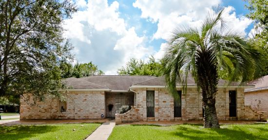 800 Merribrook Lane Friendswood Texas